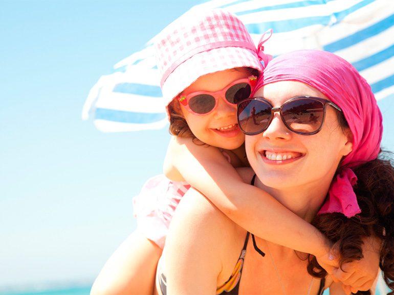 981cb22945 Usar lentes de sol es tan necesario como utilizar protector solar. Los  rayos ultravioleta son cada vez más intensos, los cuales pueden llegar a  ser nocivos ...