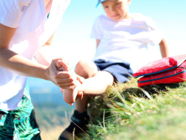 Niño con accidente traumatológico en pierna