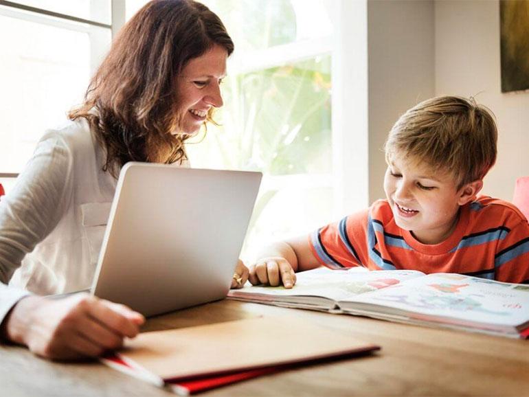 Es bueno que las mamás apoyen a los niños repitentes