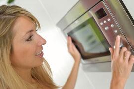 No todos los alimentos se pueden meter a microondas