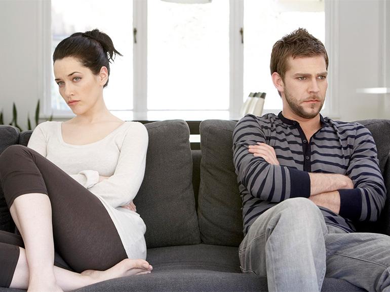 pareja con violencia en casa