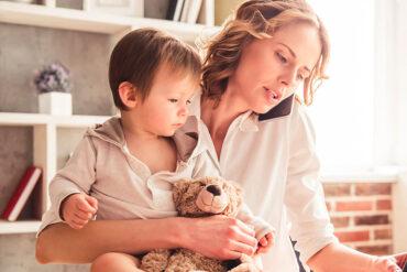 Las madres deben practicar la autocompasión