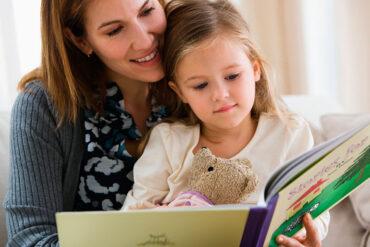 Leer cuentos a los hijos solo suma beneficios