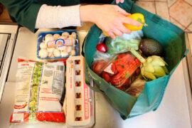 Desinfectar compras es fundamental hoy