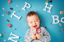 Esta serie explora el mundo de los bebés