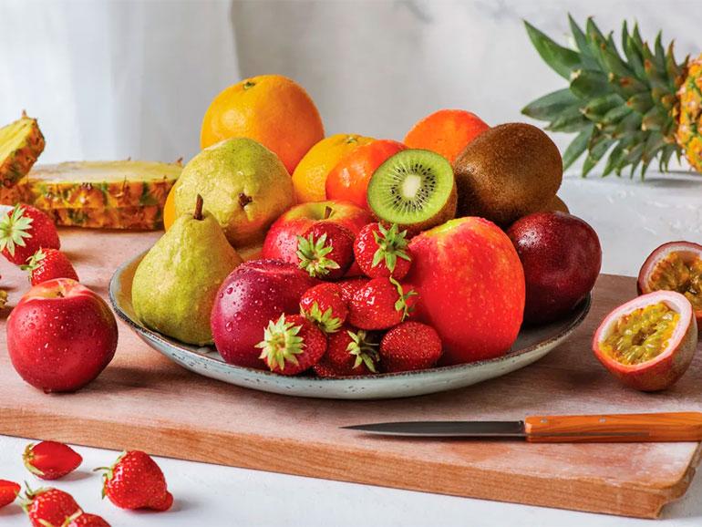 Frutas y verduras deben limpiarse en casa