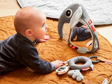 Los juguetes estimulan al bebé