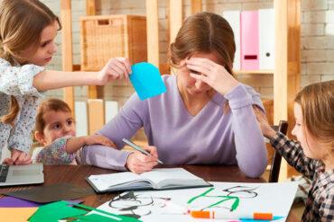 El agotamiento parental ocurre ante problemas