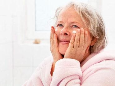 La piel del adulto mayor debe cuidarse