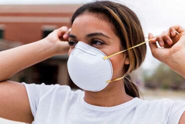 La mascarilla puede producir acné
