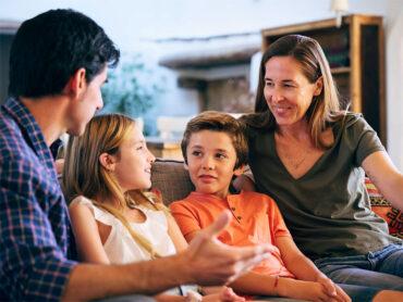 Los padres debemos conversar con los hijos